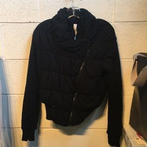 Lululemon black zip up puffy jacket sz4 59387